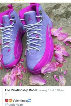 I havent posted sneakers in a while or just havent posted in general! But these - Chaussure Jordan Shoes Girls, Girls Shoes, Shoes Women, Ladies Shoes, Sneakers Fashion, Shoes Sneakers, Jordans Sneakers, Pink Jordans, Basket Style