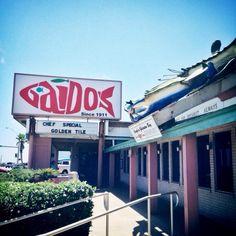 11 must-visit restaurants in Texas Sand 'N Sea Properties LLC, Galveston, TX Galveston Island, Texas Restaurant, Best Seafood Restaurant, Texas Roadtrip, Texas Travel, Galveston Restaurants, Port Aransas Restaurants, Shopping, Tejidos
