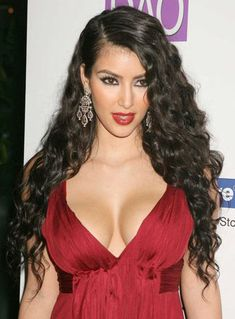 New Fashion Kim Kardashian Hairstyle Long Curly Black Heat Resistant Front Lace Wig Celebrity Wigs, Celebrity Hairstyles, Bun Hairstyles, Lace Front Wigs, Lace Wigs, Megan Fox Hair, Cheap Human Hair Wigs, Kim Kardashian Hair, Femmes Les Plus Sexy