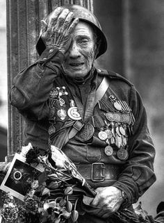 Old russian soldier remembering (No more war!)