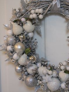 Silver and White Christmas Wreath, Sparkling Wreath, Holiday Wreath, Ornament Wreath, Silver Wreath