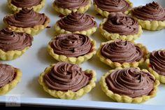 Tarte cu crema de ciocolata si capsune