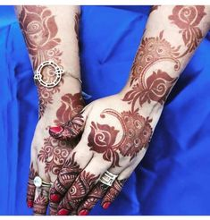 Image may contain: one or more people Modern Henna Designs, Wedding Henna Designs, Khafif Mehndi Design, Latest Henna Designs, Floral Henna Designs, Henna Art Designs, Mehndi Designs 2018, Mehndi Designs For Girls, Mehndi Design Pictures