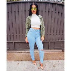#OOTD #CasualChic Top @hotmiamistyles Jeans @missguided Jacket @billabongusa Shoes @lolashoetiquedolls #glamrezy