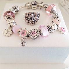 Pandora Bracelet Pink, New Pandora Charms, Pandora Bracelet Charms, Pandora Jewelry, Charm Bracelets, Matching Jewelry For Couples, Trend Fashion, Fashion Outfits, Bracelet Designs