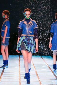 [No.3/55] ANREALAGE 2014~15秋冬コレクション | Fashionsnap.com