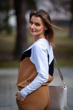 Sportowy look: komplet dresowy | Sweatshirt set - Annastylefashion Gym Shorts Womens, Sweatshirts, Model, Blog, Fashion, Moda, Fashion Styles, Scale Model, Sweatshirt