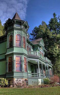 Victorian - Eugene, Oregon / Victorian Painted Ladies
