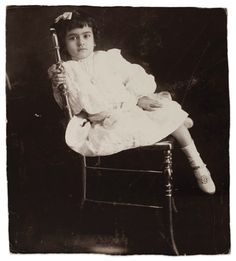 vintage everyday: Rare and Beautiful Portraits of Young Frida Kahlo Taken by Her Father 1912 age 5