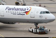 "On a total of eight aircraft redeem the Lufthansa lettering against a ""Fanhansa"" logo, includes a large football and a Germany flag during the World Cup. 3x A321/320, 3x B747 and 2x A330/340."