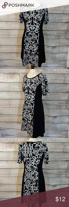 "Sammi &Jo cute dress M Shift back zipper lined polyester Spandex blend. Measured flat shoulder 15"" bust 16"" length 37"" Sammi&Jo Dresses Midi"