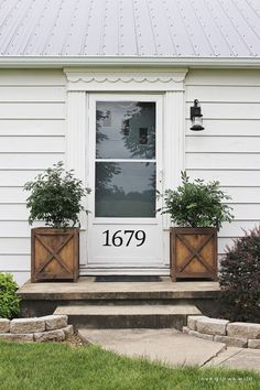 House With Porch, House Front, Curb Appeal Porch, Diy Wood Planters, Black Planters, Cedar Planters, Outdoor Planters, Planter Boxes, Front Porch Makeover