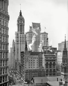 New York City Photo Singer Building Black White Photography Old Pictures, Old Photos, Shorpy Historical Photos, Foto Gif, Ville New York, A New York Minute, New York City Photos, Vintage New York, Michigan