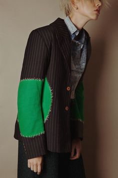 Harvee KOK ***the blazer, endless possibilities for enhancement! Quirky Fashion, Look Fashion, Fashion Details, Fashion Art, Womens Fashion, Fashion Design, Fashion Trends, Textiles, Fashion Images