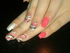 nails coral glitter