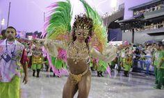 """Com o enredo """"Agora chegou a vez vou cantar! Mulher de Mangueira, mulher brasileira em primeiro lugar"""", a escola exalta as figuras femininas Foto: Márcia Foletto / Agência O Globo"""