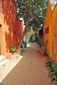 Magnifique Gorée. Isla de Gore, Senegal.  El último sitio que veían los esclavos, rumbo a tierras desconocidas y de llegada incierta.