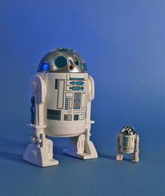 Giant R2-D2 replica of original 1977 figure.