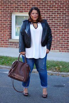 f999e56807814 7 Easy Ways To Style Plus Size Boyfriend Jeans This Winter - Fashion To  Figure