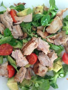 Warm Tuna steak salad with fresh lime, avocado lambs lettuce and tomatoes. 6 minute meal - done!