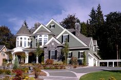 Victorian Style House Plan - 4 Beds 4.5 Baths 5250 Sq/Ft Plan #132-175 Exterior - Front Elevation - Houseplans.com
