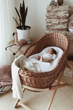 cuna; cunas para bebes; cunas para bebes madera; cunas; cunas para bebes modernas; Baby Bedroom, Baby Room Decor, Nursery Room, Dream Baby, Baby Love, Baby Room Design, Baby Necessities, Cute Baby Pictures, Baby Steps