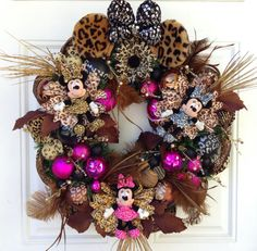 Leopard Wreath Minnie Mouse Tokyo Plush by SparkleForYourCastle Mickey Mouse Wreath, Disney Wreath, Minnie Mouse, Disney Classroom, Deco Mesh Wreaths, Ribbon Wreaths, Christmas Wreaths, Christmas Ideas, Projects To Try