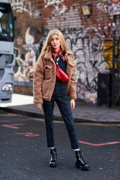 Chunky, Cozy Sweaters Were a Street Style Favorite On Day 4 of London Fashion Week - Fashionista