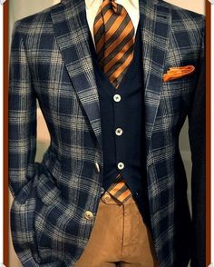 Autumn look: Awesome plaid sport coat with striped tie Sharp Dressed Man, Well Dressed Men, Mens Fashion Suits, Mens Suits, Fashion Menswear, Mode Masculine, Mode Mantel, Herren Outfit, Suit And Tie