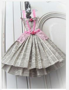 This adorable dress miniature is made from phone book pages. It is carefully stitched in pink cotton. The petite dress has ribbon straps, lace trims and paper roses glued in place. Book Crafts, Arts And Crafts, Paper Crafts, Diy Crafts, Paper Dress Art, Paper Art, Origami Vestidos, 3d Templates, Dress Card