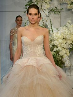 Monique Lhuillier Spring 2018: Regal, Romantic Wedding Dresses | Photo by: Maria Valentino/MCV Photo | TheKnot.com