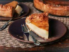 Γλυκιά γαλατόπιτα από την Πελοπόννησο (Video) Pizza Hut, Tiramisu, Pie, Ethnic Recipes, Desserts, Food, Torte, Postres, Tart