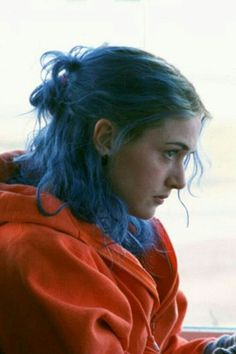 greatest fucking movies of all time Clementine Eternal Sunshine, Meet Me In Montauk, Manic Pixie Dream Girl, Aesthetic Movies, Dark Photography, Film Serie, Hollywood Celebrities, Messy Hairstyles, Still Life Film
