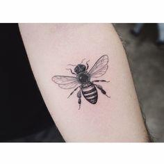 tattoo on the left inner forearm. - Bee tattoo on the left inner forearm. -Bee tattoo on the left inner forearm. - Bee tattoo on the left inner forearm. Weird Tattoos, Body Tattoos, Small Tattoos, Sleeve Tattoos, Bug Tattoo, Arm Band Tattoo, Wasp Tattoo, Honey Bee Tattoo, Dibujos Tattoo