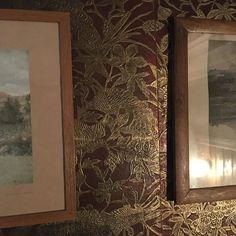 #oldbuilding#interiordetails#wallpaper#leather#gyldenlær#paintershouse#christianskredsvigshagan#norway