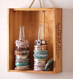 Vintage bottle & Crate Bracelet Stand   http://mymorninginspiration.blogspot.de/2012/04/bottle-crate-bracelet-stand.html  #vintage #bottle #bracelet #display #milkcrate #crate #wood