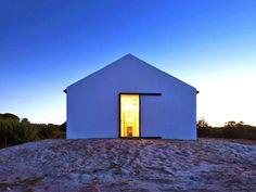 Noticias Vivienda: Atelier Data convierte un viejo establo en una casa preciosa