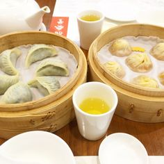 Michelin's Cheapest 1 star Restaurant in Hong Kong! Find more about it here: http://www.be-sparkling.com/dintaifung-hk/