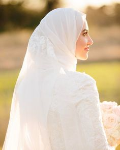black and white gothic wedding dresses Muslimah Wedding Dress, Muslim Brides, Pakistani Wedding Dresses, Dress Wedding, Wedding Hijab Styles, Wedding Ring, Ramadan, Bridal Hijab, Marriage Dress