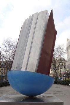 Barcelone 100323-1130 by Schoendy. Monument par Brossa
