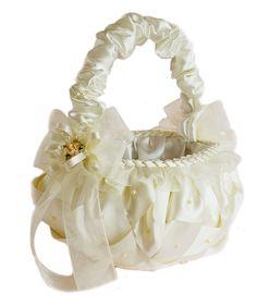 wedding basket girl.  Canasta para niñas floristas Weeding Favors, Glitter Vases, Persian Wedding, Flower Girl Basket, Rings For Girls, Flower Making, Decoration, Marie, Wedding Inspiration
