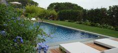 Signorile villa moderna con ampio parco e piscina in zona naturalistica