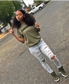 Cute Outfits For School, Teenage Girl Outfits, Teenager Outfits, Teen Fashion Outfits, Outfits For Teens, Ladies Fashion, Outfits For Black Girls, Fashion Clothes, Tomboy Outfits