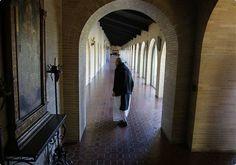 Cloister of monks - Pesquisa Google