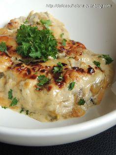 Gratin de courgettes au bleu/les délices d'helene allegés/Un plat sans viande mais qui peut parfaitement composer un plat entier étant donné l'apport en fromage. Accompagné d'une salade, il constitue parfaitement un plat complet. Pour 4 personnes / 4 courgettes...