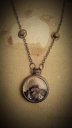 steampunk necklace/- full of little gears and things