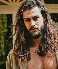 If our list of men before-and-after growing a beard didn't convince you that males look way better with facial hair, this story definitely will. Beard Styles For Men, Hair And Beard Styles, Curly Hair Styles, Long Hair Beard, Men Long Hair, Haircuts For Men, Trendy Haircuts, Funky Hairstyles, Formal Hairstyles
