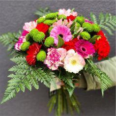 Buchet mixt Gerbera, Floral Wreath, Wreaths, Plants, Home Decor, Horsehair, Floral Crown, Decoration Home, Door Wreaths