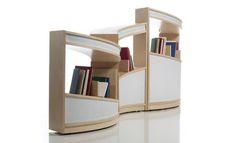 Nautilus es un mueble que se convierte en un espacio de lectura envolvente.