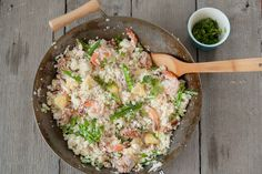 Fried Cauliflower Rice with Pineapple, Shrimp and Pork. Paleo friendly and gluten-free. Pork Recipes, Paleo Recipes, Cooking Recipes, Banting Recipes, Paleo Meals, What's Cooking, Cooking Time, Dinner Recipes, Risotto